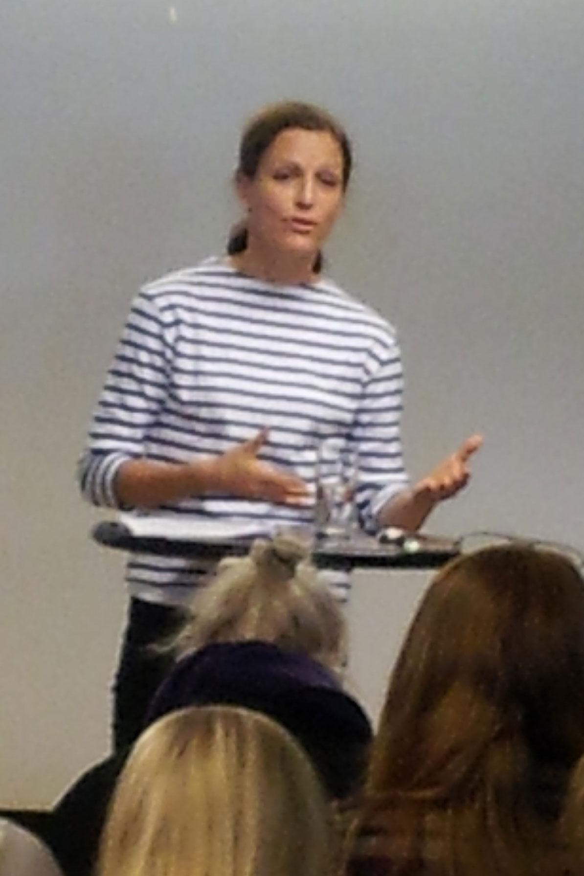 Rebecca Stern håller föredrag om Papperslösas rättigheter i EU